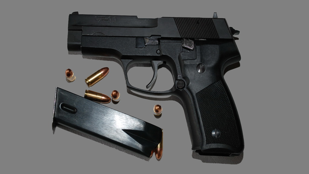 Pištolj 9 mm CZ-99