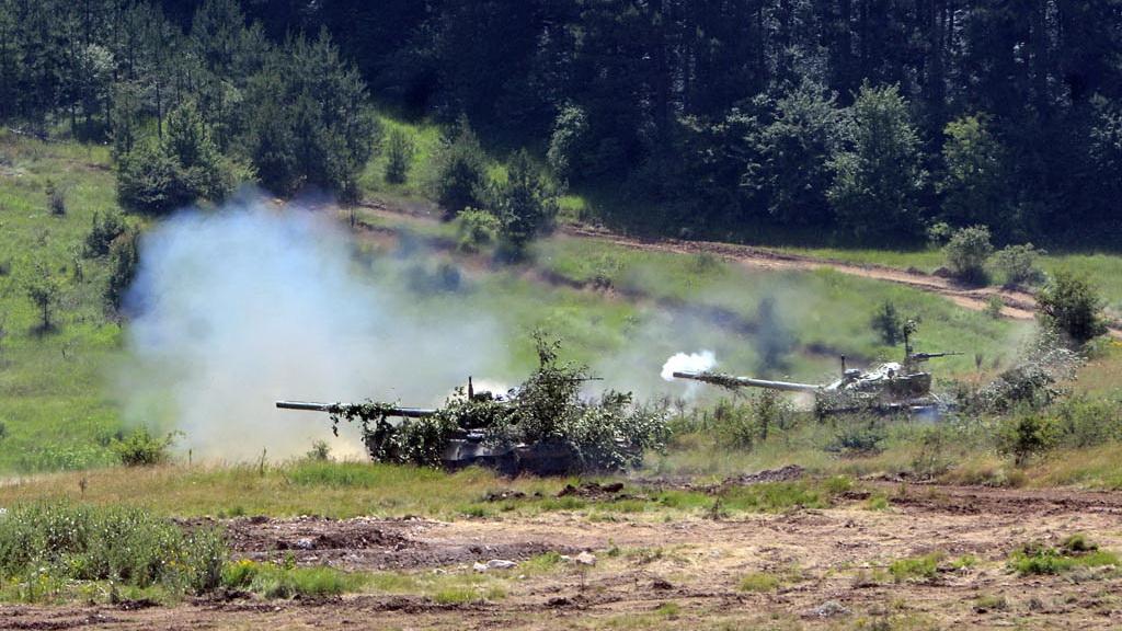 Тенкови М-84 на вежби Раваница 2014