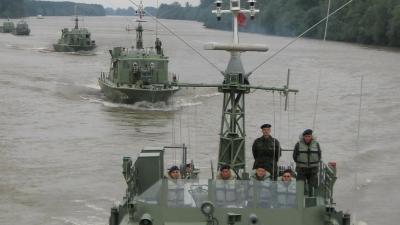 Pripadnici Rečne flotile izvršili bojna gađanja