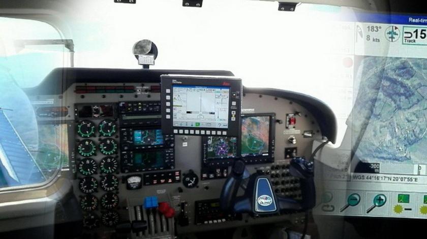 1_Avion.jpg