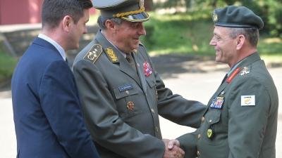 Свечани дочек команданта Националне гарде Кипра