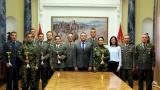 Министар Вулин и генерал Мојсиловић са истакнутим војним спортистима