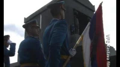Генерал-потпуковник Милоје Милетић полаже венац на Споменик Незнаном јунаку