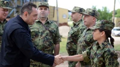 Министар Вулин обишао припаднике Војске у касарни Књаз Михаило у Нишу
