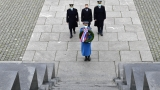 Wreath-laying Ceremony at Monument to Unknown Hero on Veterans' Day