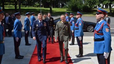 Poseta komandanta Savezničkih snaga u Evropi