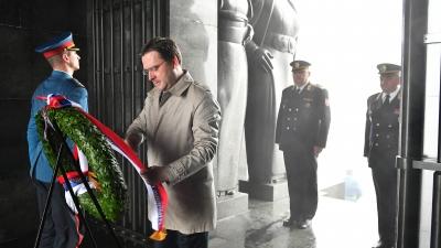 Изасланик председника Републике положио венац на Споменик Незнаном јунаку