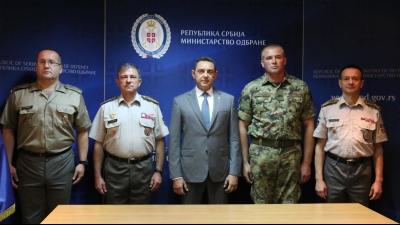 Пријем млађег водника Славише Стојановића код министра одбране