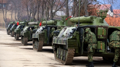Министар Вулин и генерал Мојсиловић обишли јединице у Копненој зони безбедности