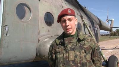 Poručnik Nikola Mihaldzić, lekar iz 63. padobranskog bataljona