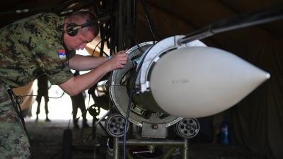 Припрема ракета ракетног система ПВО КУБ за гађање
