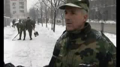 Војска чисти снег у Београду