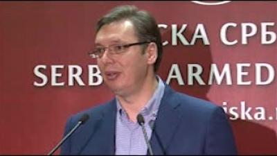 Premijer Vučić na Vaskrs posetio Operativni centar sistema odbrane